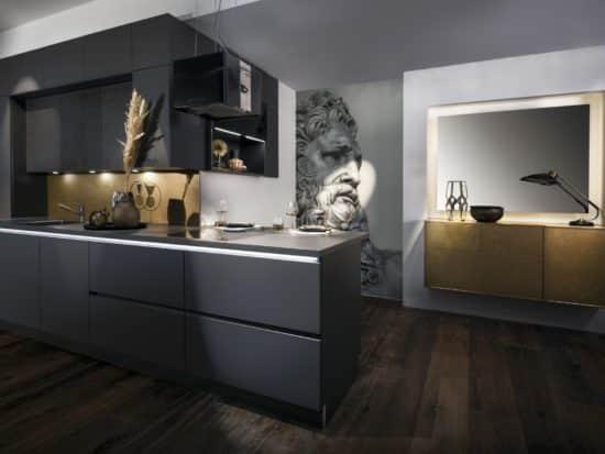Greeploze keuken in matte grafietkleur